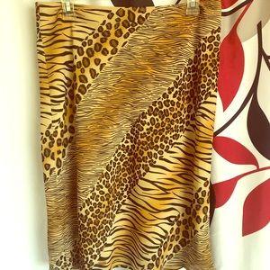 Women leopard design skirt.